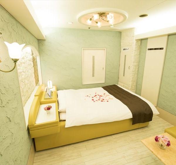 Room702