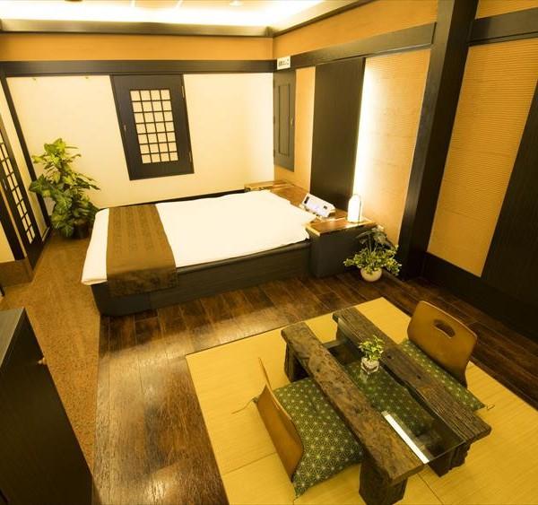Room708
