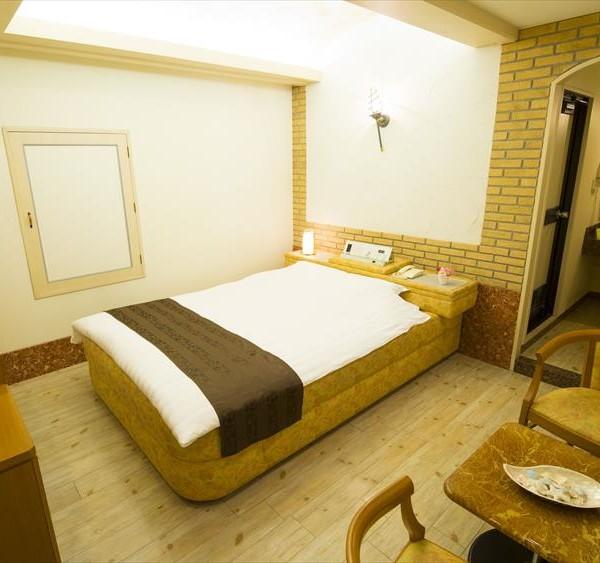 Room807