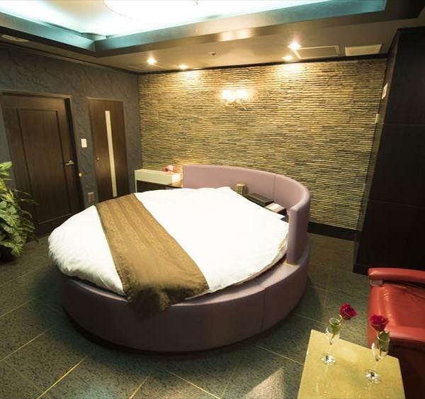 Room813
