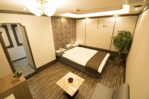 F Type Room 402