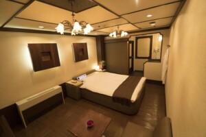 E Type Room 603