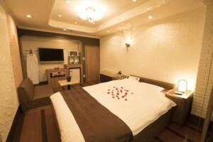 E Type Room 803